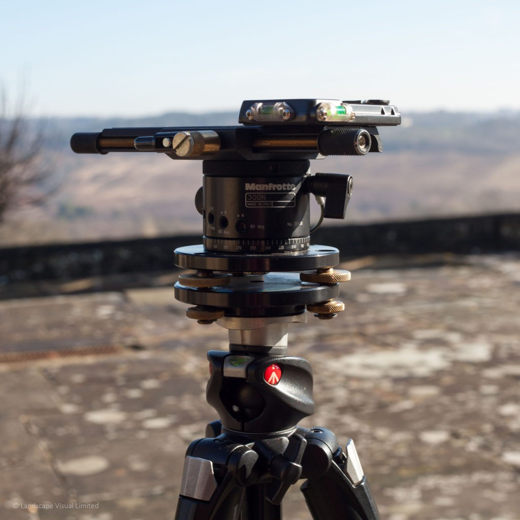 Tripod head for LVIA photography